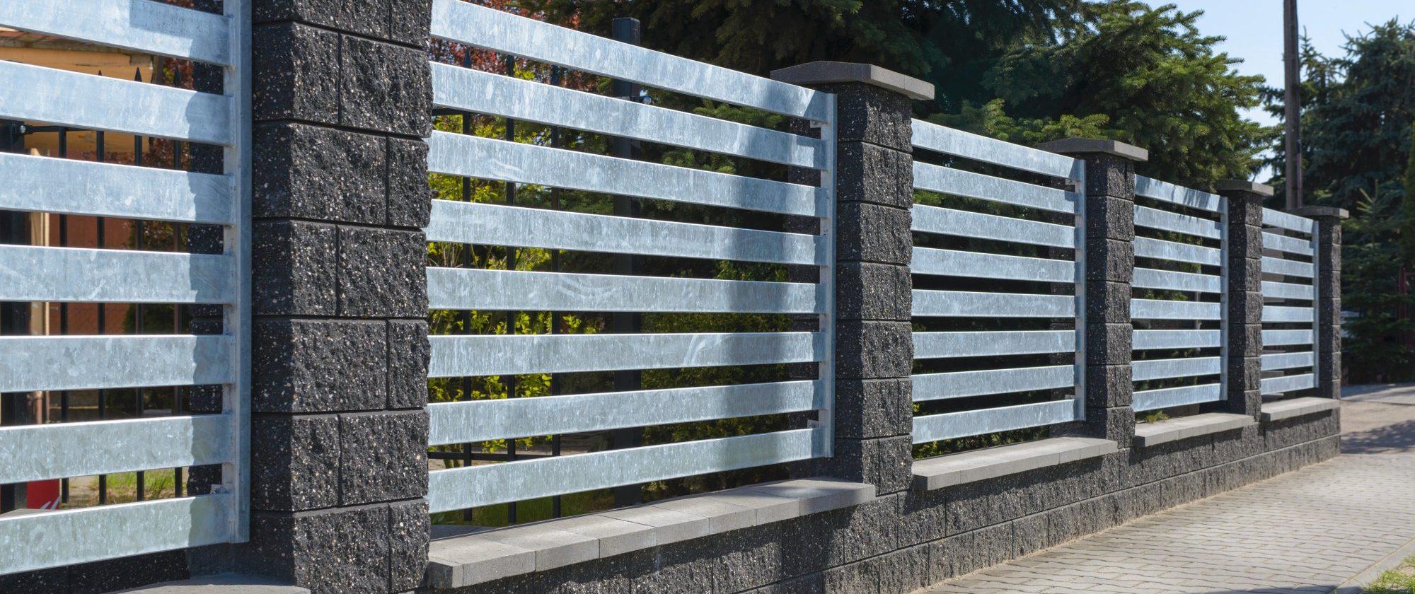 Jak zamontować ogrodzenie?